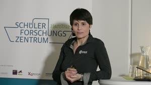 Thumbnail - Astronautin Samantha Cristoforetti am SFZ Hamburg