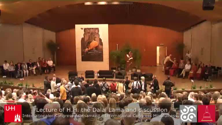 Thumbnail - Beginning: H.H. the Dalai Lama is entering the Audimax